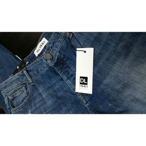DL1961 Jeans - No. 6 Ripped Slouchy Skinny Scratched Wash Jean